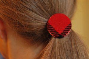 Frisurer med hårelastikker