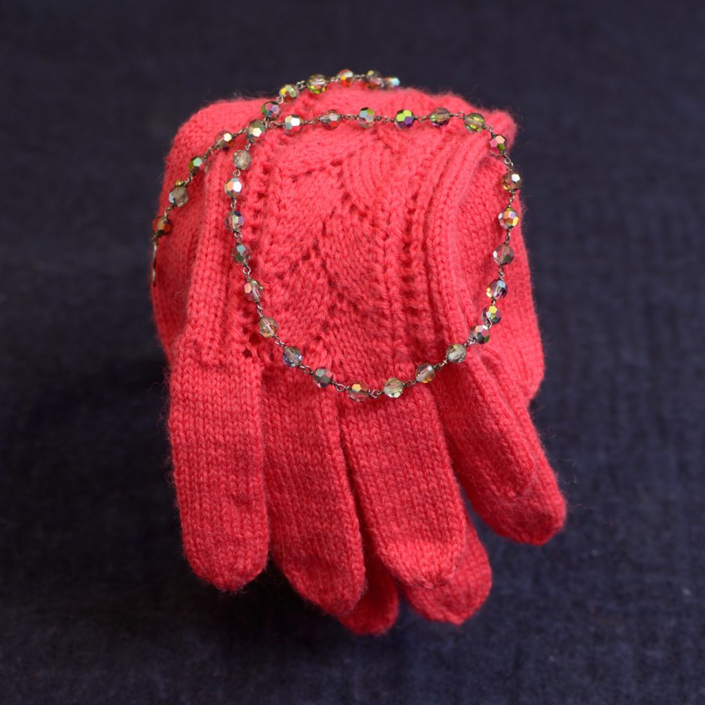 Teststrikker, her handsker i mønstret Oline