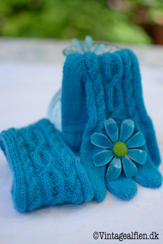 Blå strikkede fingerhandsker