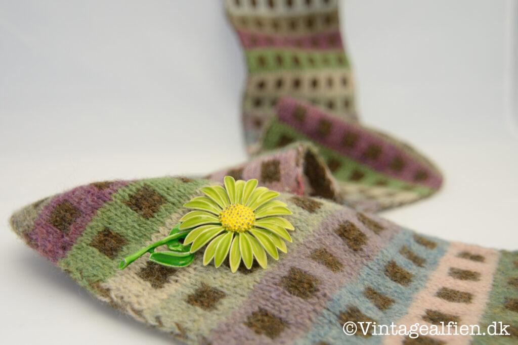 At strikke et halstørklæde med lige kanter kan være en udfordring