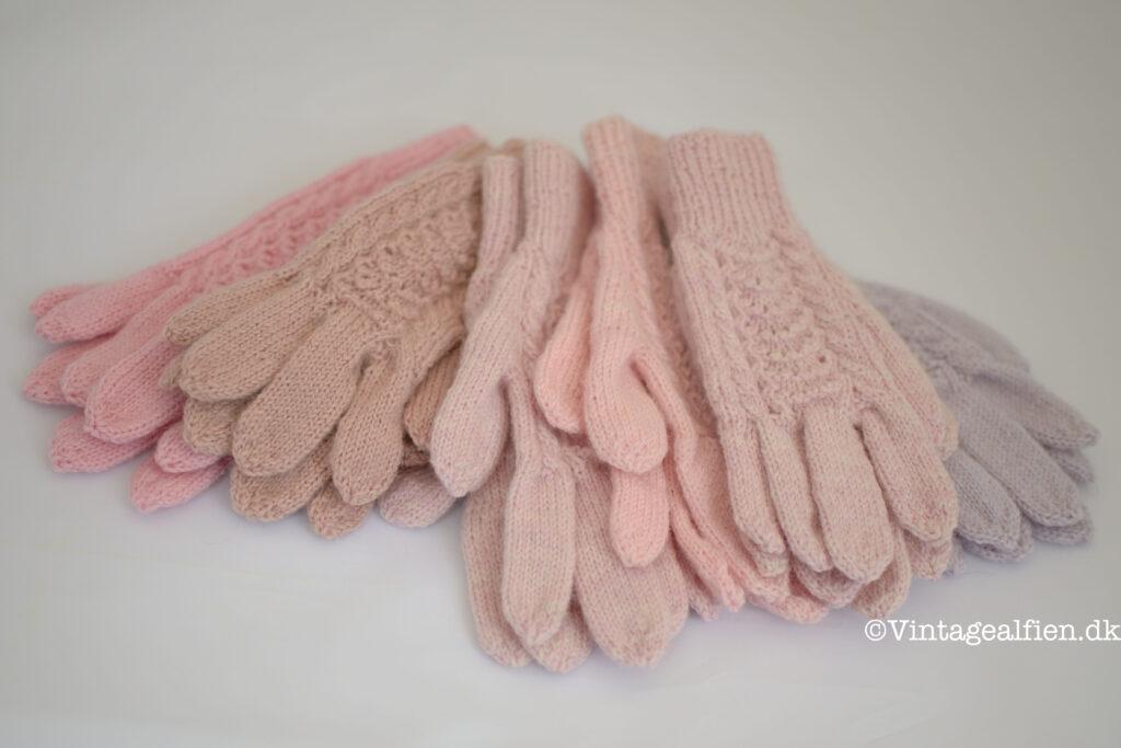Færdigstrikkede fingerhandsker fra strikkeudfordringen