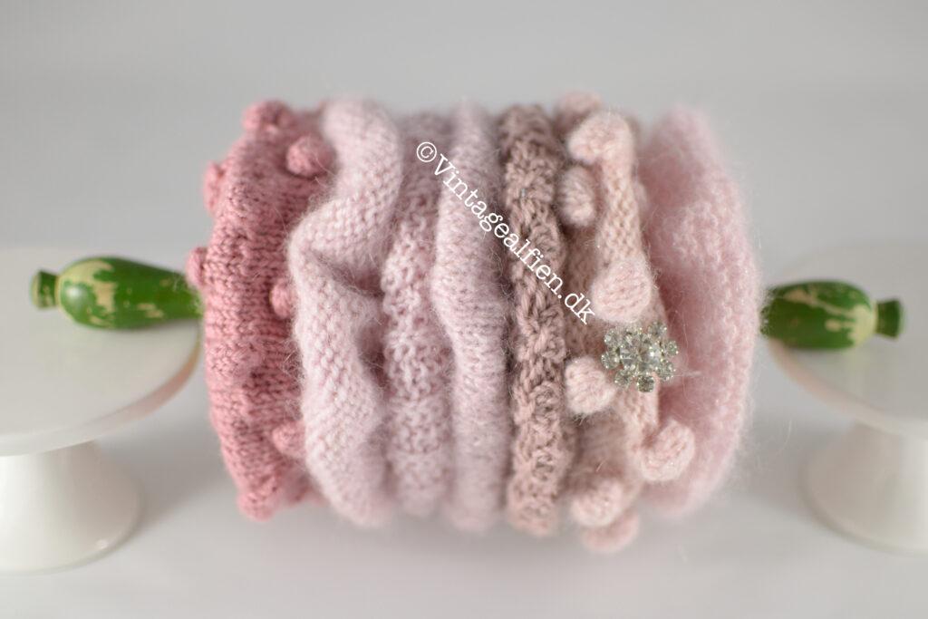 Syv scrunchies arrangeret på en kagerulle til børn