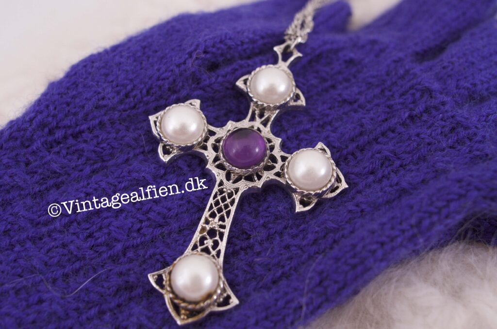 Vintagealfien fingerhandsker med kors