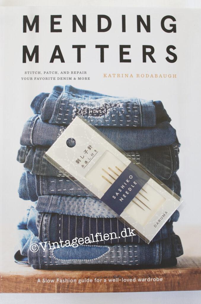 Bogen Mending matters som især handler om, hvordan hullede cowboybukser får et nyt liv